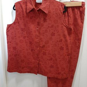 Sleeveless Shirt with Matching Clam Digger Pants